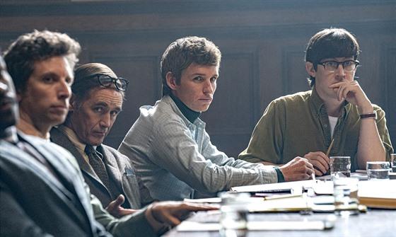 Z filmu Chicagský tribunál (2020)