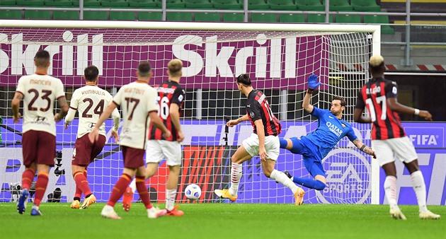 AC Milán po přestřelce remizoval s AS Řím, Ibrahimovic dal dva góly