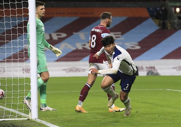 Son Hung-min zajistil Tottenhamu výhru na hřišti Burnley