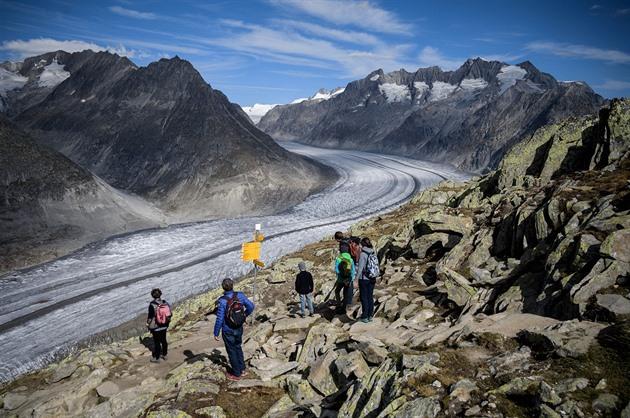Tání ledovců v Alpách odhaluje poklady z historie. Mohou je najít i turisté