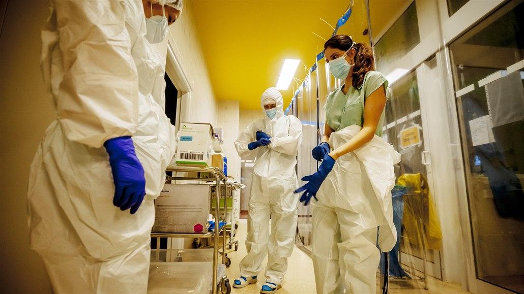 Vědci: Proti koronaviru může pomoci ústní voda, virus zničí do 30 vteřin