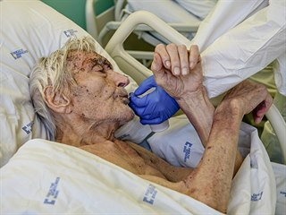 Pacient s covid-19 ve Fakultní nemocnici Brno. 22.10.2020