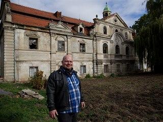 Miloš Dempír, kastelán z hradu Svojanov, si plní sen pořídit si vlastní památku...
