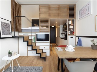 V bytech s vyšším stropem lze umístit spaní nahoru, pod lůžkem vznikne velký...