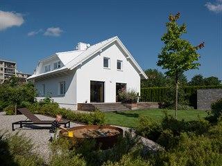 Celý objekt domu je nově sjednocený do jednoho odstínu.