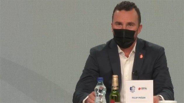 Trenér Pešán: Český hokej je nesmyslně paralyzován vládními nařízeními