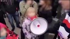 Matovič je k*kot, křičela holčička. Policie hledala její rodiče