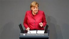 Karanténa je nevyhnutelná. Čekají nás dlouhé měsíce, řekla Merkelová
