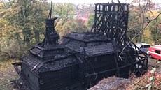 Hasiči došetřují požár vzácného dřevěného kostela