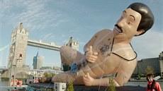 V Londýně se objevil obří nafukovací Borat