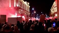 Odpůrci zákazu potratů protestují v Polsku už pátý den