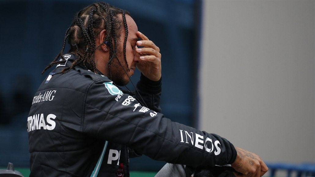 Formule 1 míří do Bahrajnu. Hamiltona čeká premiéra v roli nejúspěšnějšího pilota