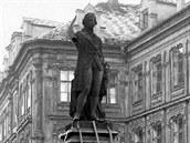 Před 100 lety šla v Chebu k zemi socha Josefa II. Její ruka se dodnes nenašla