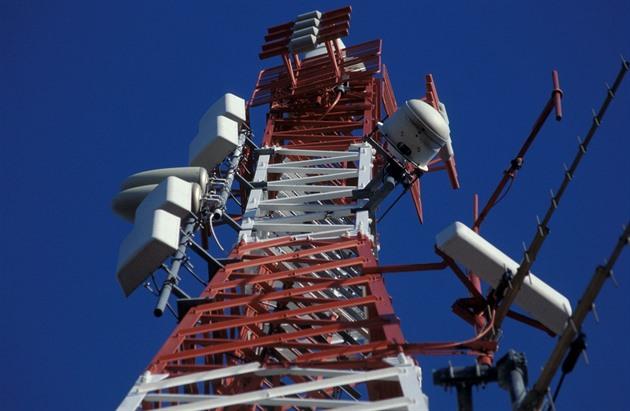 Silný vítr způsobuje výpadky v sítích operátorů. Přepněte mobil do 2G, radí