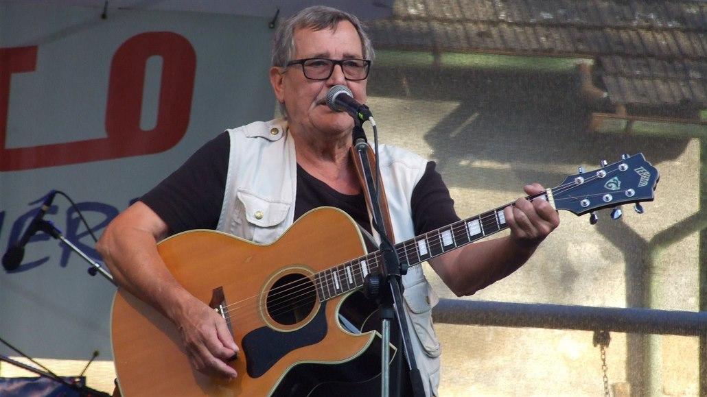 Zemřel muzikant František Prošek. Spoluhráč Ivana Mládka podlehl koronaviru