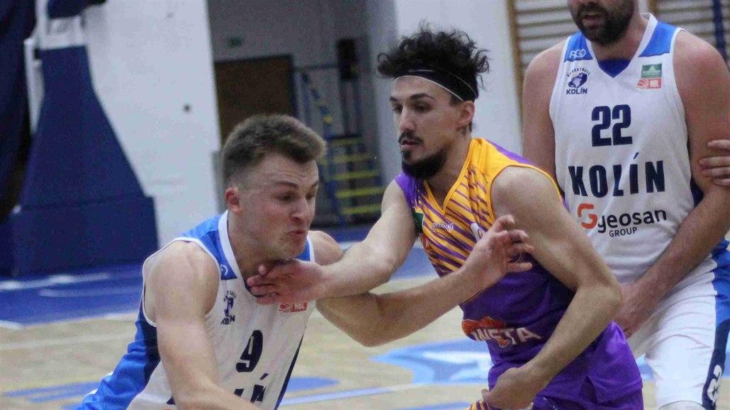 Ústečtí basketbalisté vezou výhru z Kolína, odolali náporu domácích