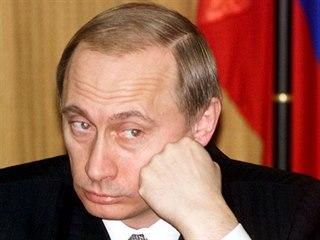 Rok 2000. První rok Vladimira Putina v Kremlu. Tou dobou začalo pozoruhodné...