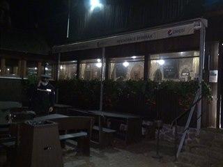 Do restaurace Šeberák večer dorazili policisté. (26. listopadu 2020)