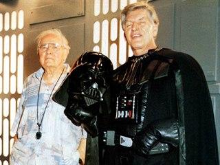 Zemřel David Prowse (vpravo), představitel Dartha Vadera z původní trilogie...