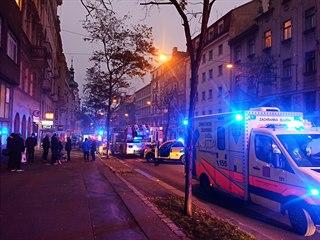 Požár bytu v Ječné zkomplikoval dopravu. (26.11.2020)