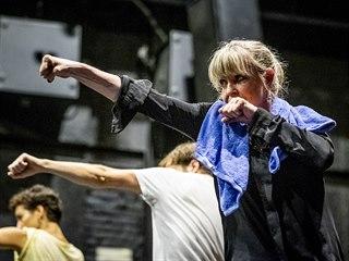 Chantal Poullain během příprav pohybového představení Ohně Stroje, které vzniká...