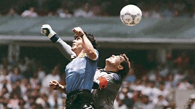Maradona a jeho slavná boží ruka