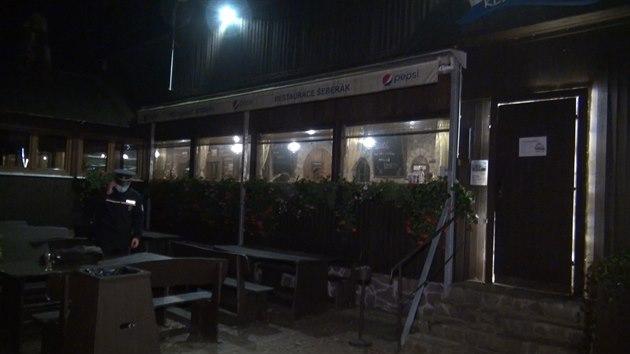 Policie zasahovala v restauraci, která otevřela navzdory nařízení