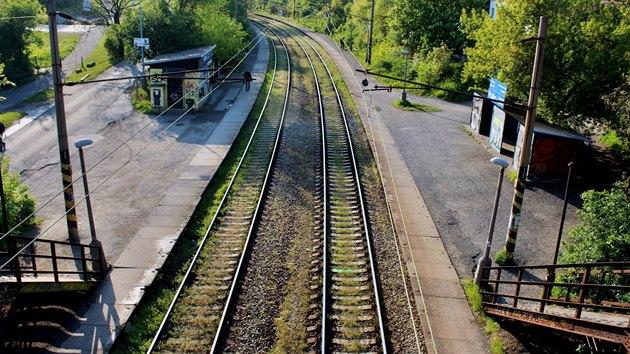 Zastávka ve Strašnicích byla naposledy výrazněji upravována přibližně před půl stoletím.