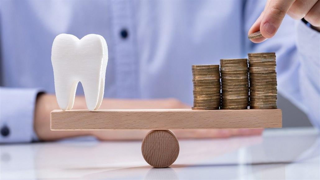 Aby měla na zubní rovnátka pro dceru, musela vybrat stavební spoření
