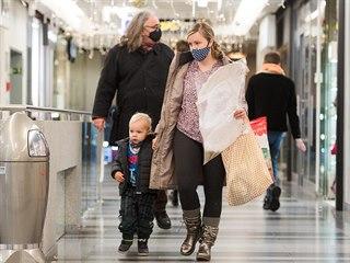 Obchodní centrum Zlaté jablko ve Zlíně znovu přivítalo zákazníky. (3. prosince...
