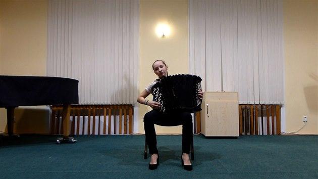 Čtrnáctiletá Češka opanovala světovou soutěž akordeonistů
