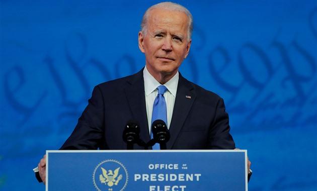 Nad Wall Streetem se smráká, Biden nominoval tvrdého kontrolora