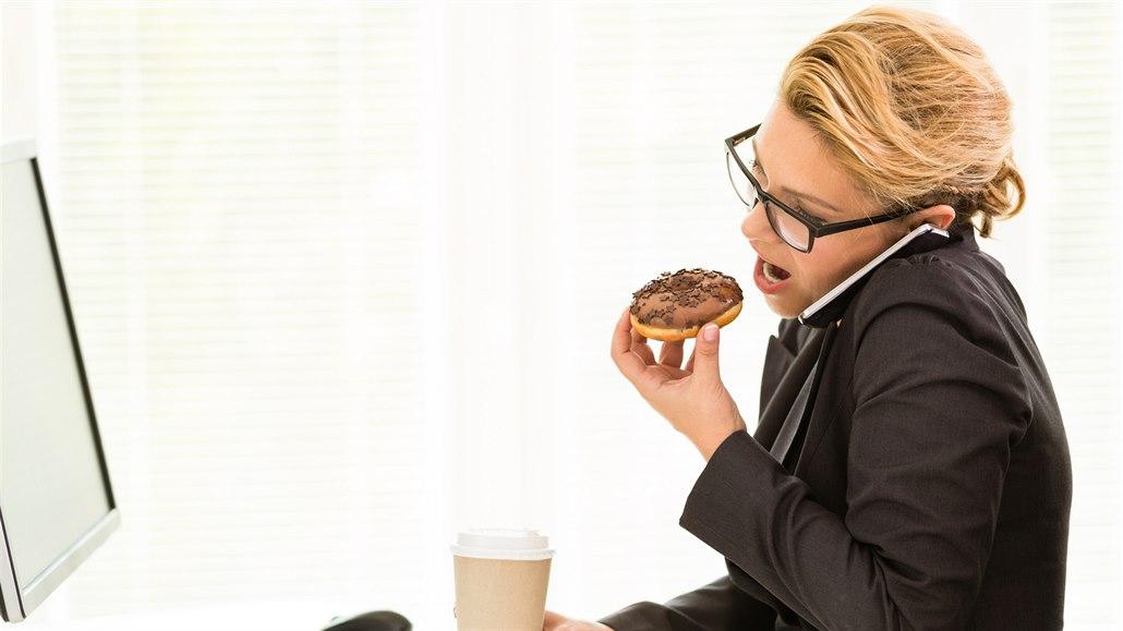 Nezajídejte stres. Naučte se všímavé jedení a zhubnete