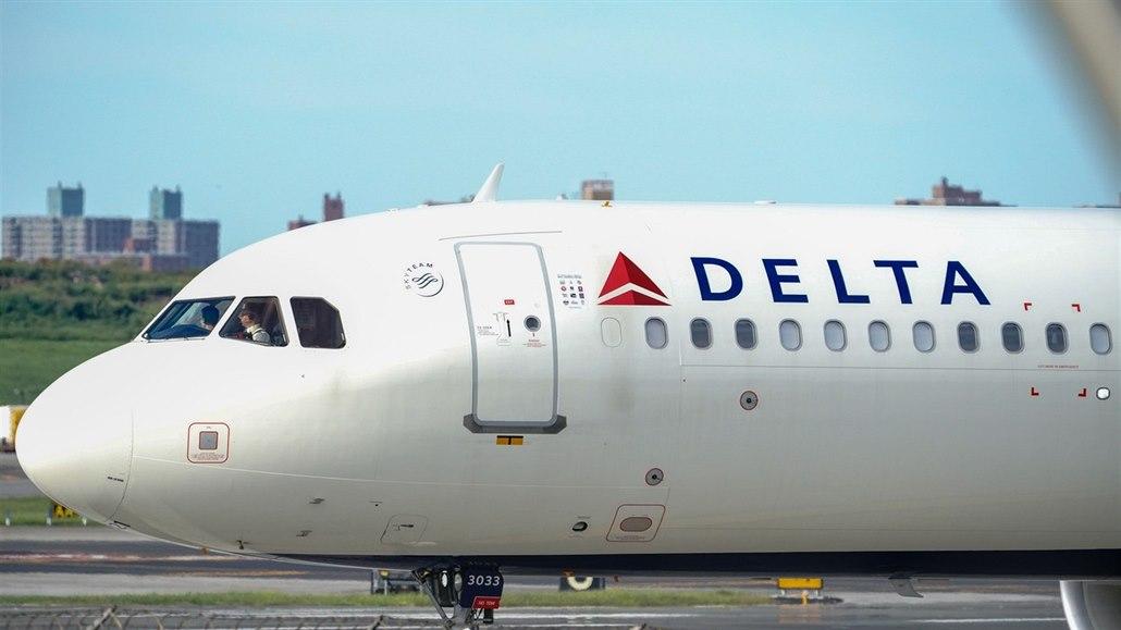 Webové stránky několika aerolinií nefungují. Problém mají i australské banky