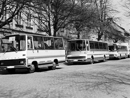 "Autobusy z Vysokého Mýta, zleva Karosa A 30-D7, Karosa ŠD 11 ""Superlux"" a..."