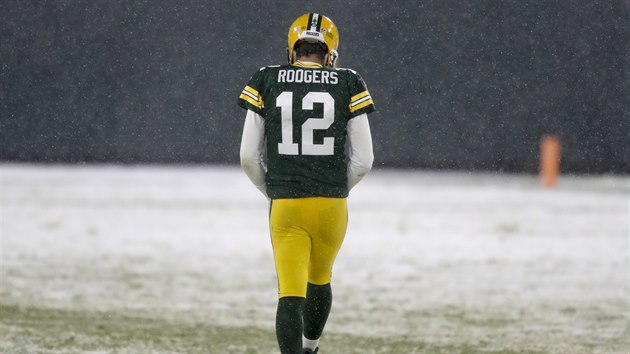 Aaron Rodgers z Green Bay Packers během utkání s Tennessee Titans
