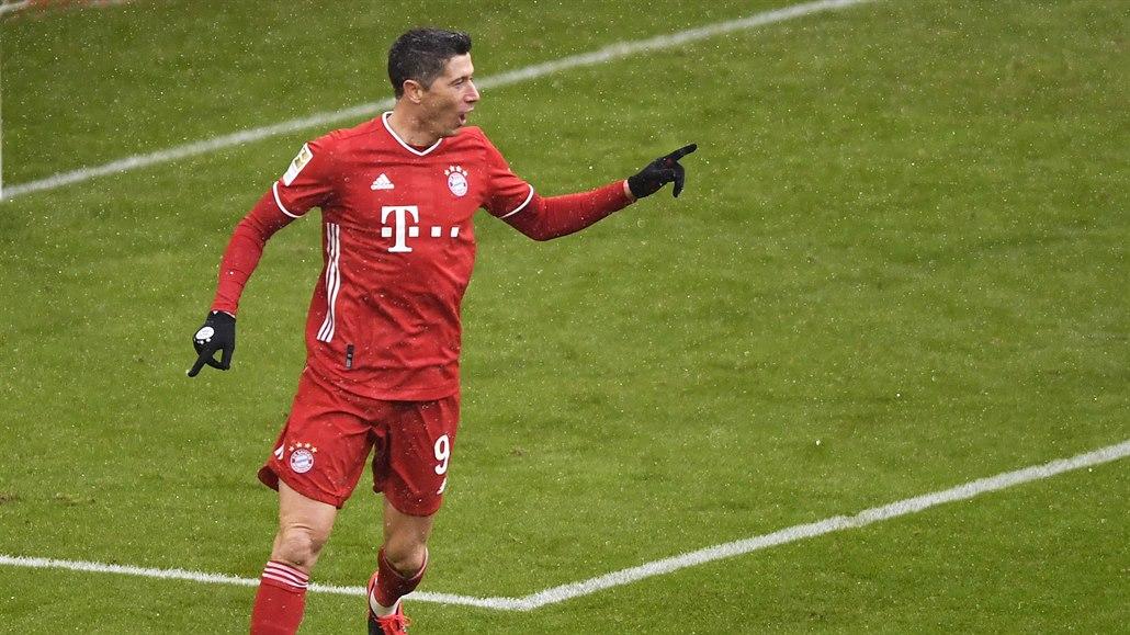 Bayern doma udolal Freiburg a odskočil Lipsku, Lewandowski má rekord