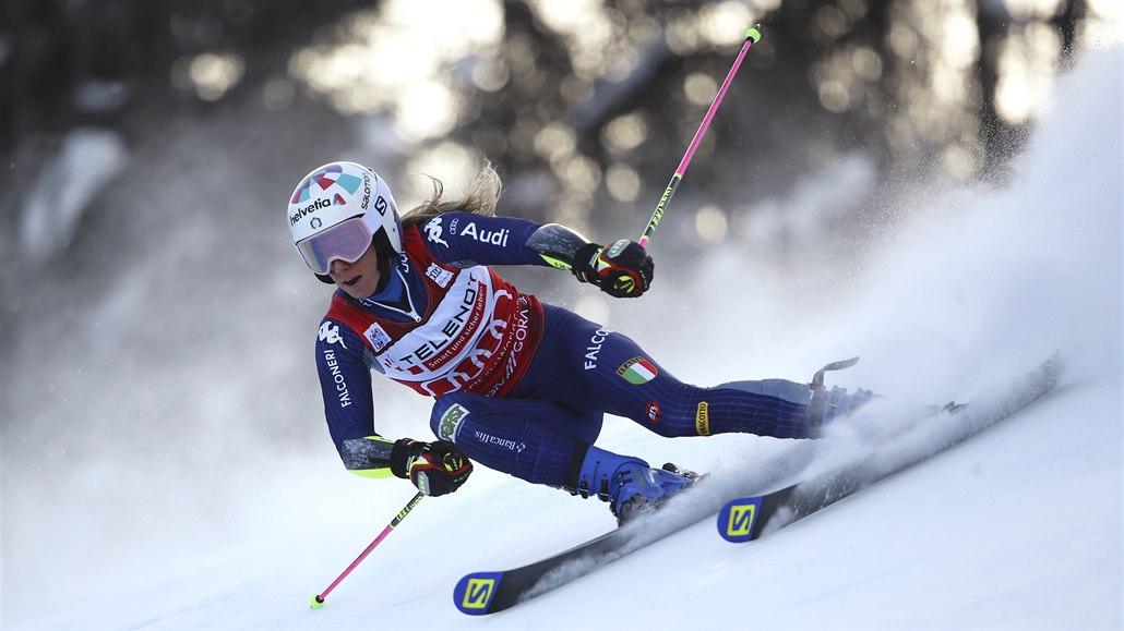 Obří slalom v Kranjské Goře znovu ovládla suverénka Bassinová