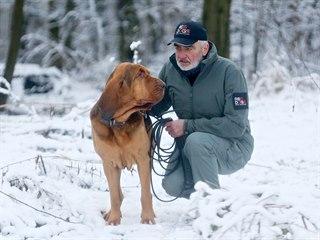 Chovatel psů Lubomír Satora se věnuje mantrailingu od roku 2002, pan Čoko je...