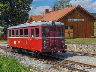 Motorový vůz M 131.109 spolku Zubrnická muzeální železnice ve stanici Zubrnice