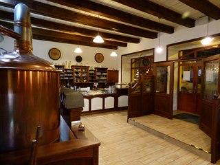 Název restaurace a pivovaru U Přeška odkazuje na muže, od něhož údajně získalo...