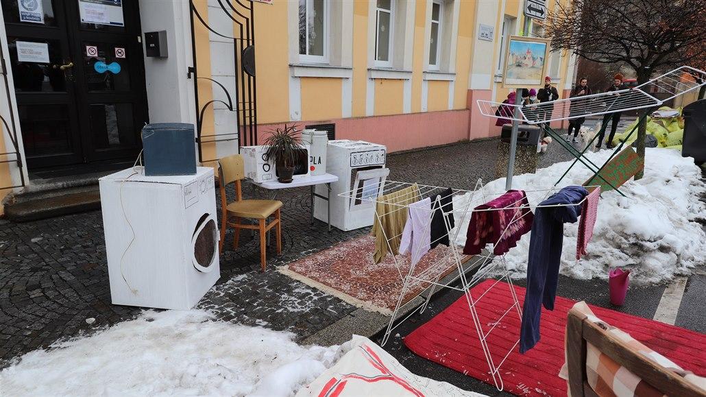 Demonstranti ve Varnsdorfu chtěli lepší bydlení pro vystěhované rodiny