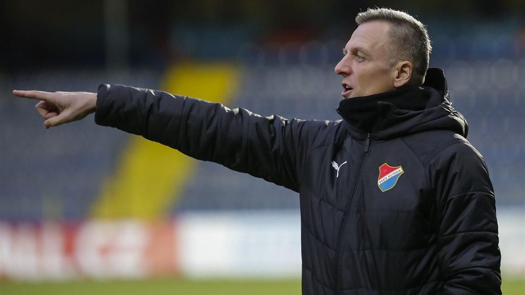Vymyšlená penalta, běsnil Kozel. Poznar ji proměnil panenkovským dloubákem