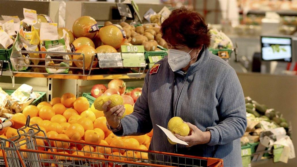 Na Svátek práce zůstanou obchody otevřené, další týden zavřou