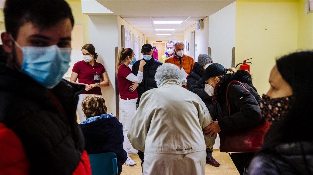 Pražské městské části se přou kvůli očkování, některé dostávají méně vakcín