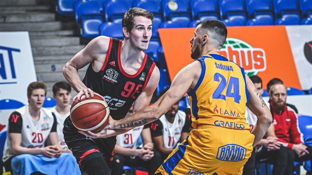 Nymburk po výhře v Opavě ovládl základní část basketbalové ligy