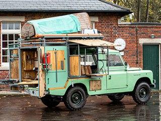 Hugh Fearnley-Whittingstall vydražil svého upraveného Land Rovera z roku 1982...
