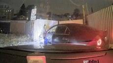 Zdrogovaný mladík boural při honičce s policií
