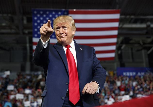 Vlastně to byl dobrý prezident. Trump začíná být populárnější než Biden