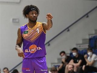 Ústecký basketbalista Lamb Autrey v zápase proti Děčínu